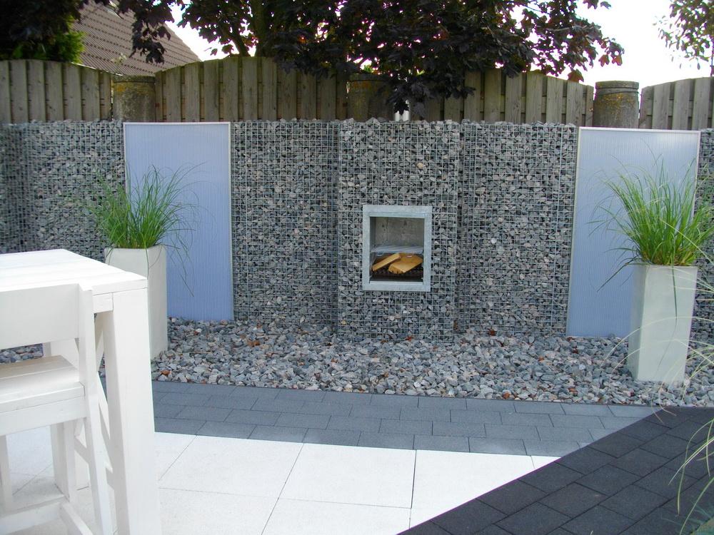 Norwegian Granite 31-50mm in gabion fireplace bbq