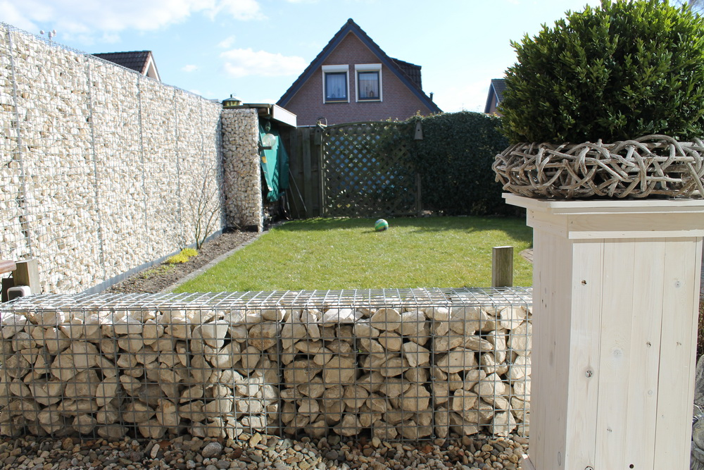 Gabion with Yellow Sun